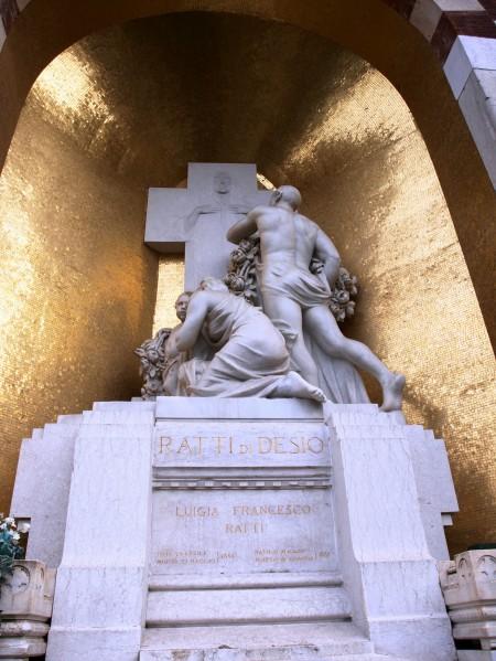 Andere verzieren ihr Grab mit Goldmosaik