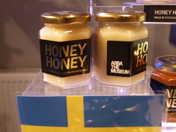 Honey honey, let me feel it, ah-hah, honey honey Honey honey, don't conceal it, ah-hah, honey honey